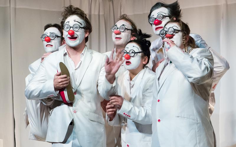 Théâtre du cristal - Vu du banc - Clown- Comédiens en situation de handicap